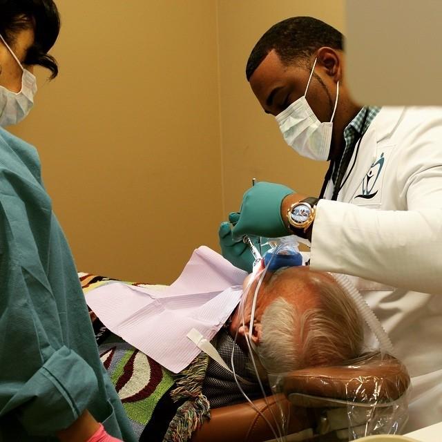 Dentist Dr. Laurentis Barnett Madison AL.jpg