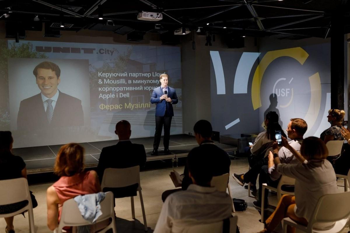 Dr. Feras Mousilli teaching in Kiev Ukraine.jpg