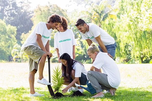 sabha-khan-volunteers-planting.jpg